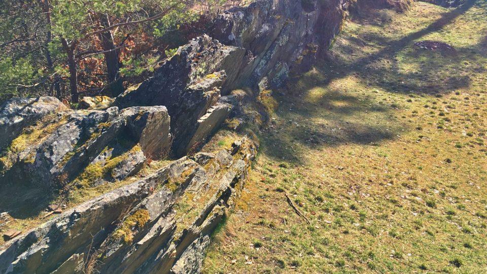 Ostré skály sloužily jako obrana hradu