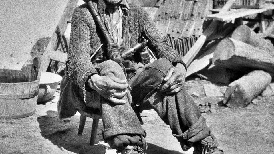 Takto vypadal strakonický dudák na konci 40. let 20. století