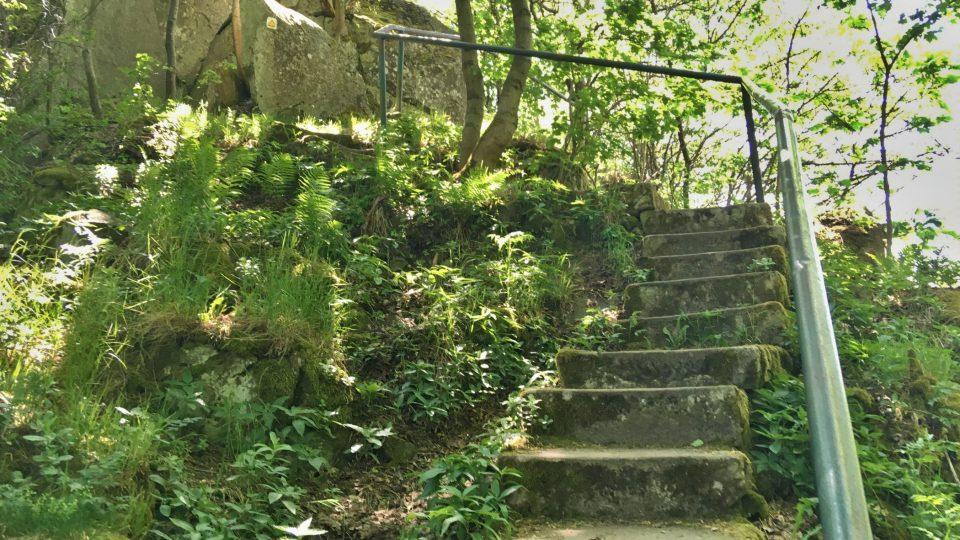 Na Podhoru vedou schody