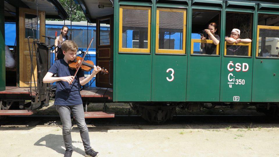 Jízda parním vlakem Concertino Praga