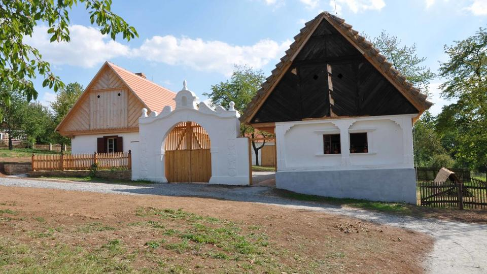 Usedlost z oblasti Českobrodska a Nymburska ve skanzenu Kouřim