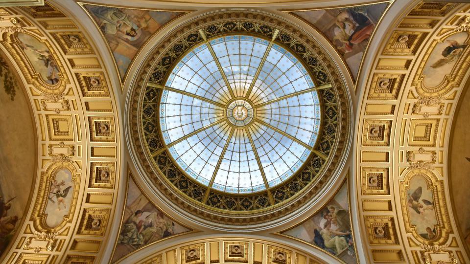Panteon, jeden z nejslavnostnějších sálů české architektury