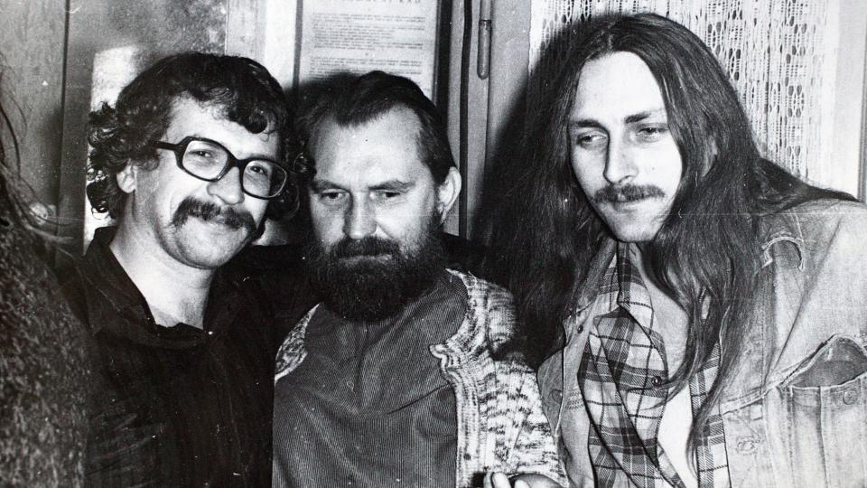 Egon Bondy a I. M. Jirous a Pavel Zajíček, klukovice 1975