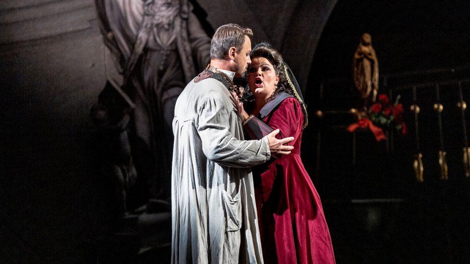 Opera Tosca, Státní opera