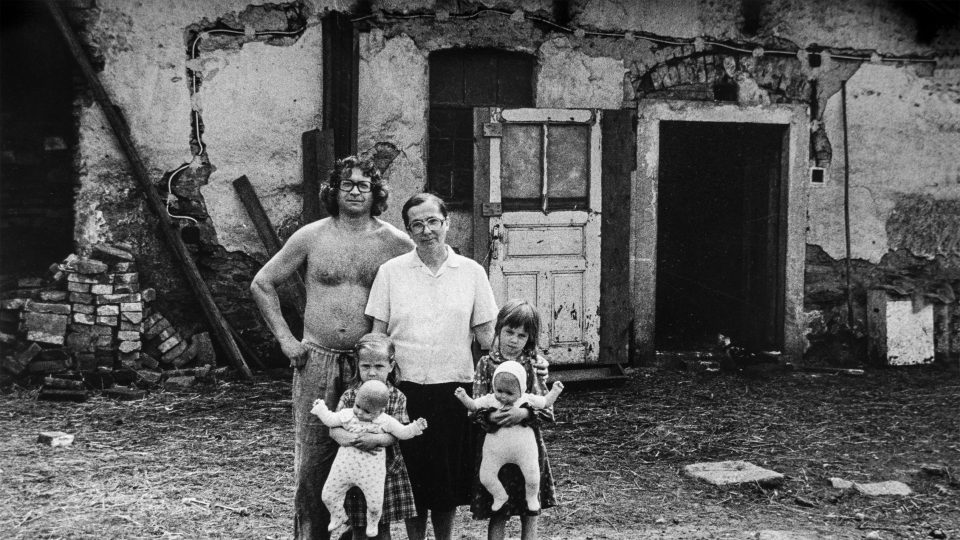Juliana a Martin Jirousovi s dcerami Františkou a Martou