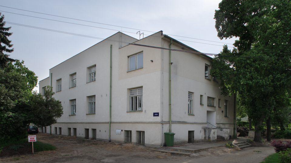 Hrušovany, pursitická vila pro ředitele cukerních rafinérií Viktora Bauera, architekt Adolf Loos