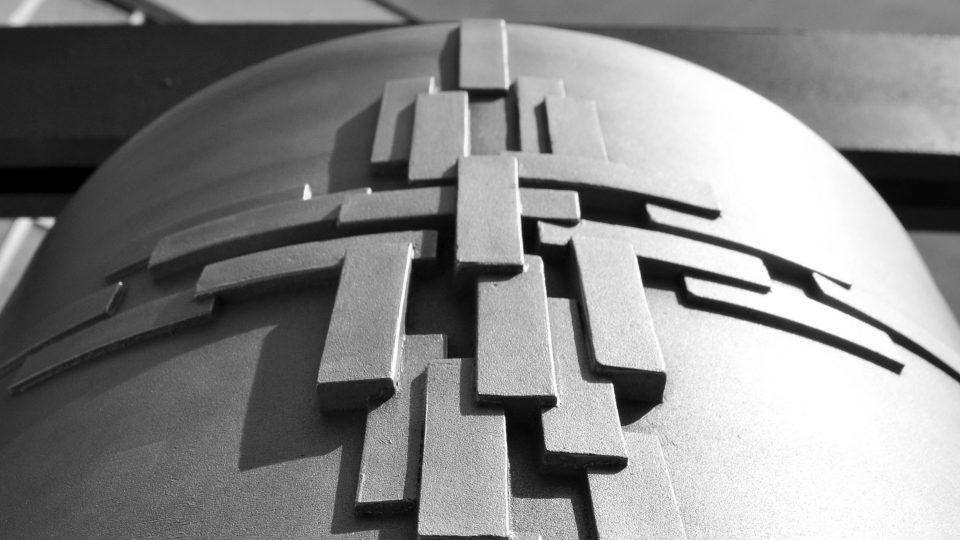 Reliéfy nových zvonů do věže Husova sboru na Vinohradech, MCA atelier