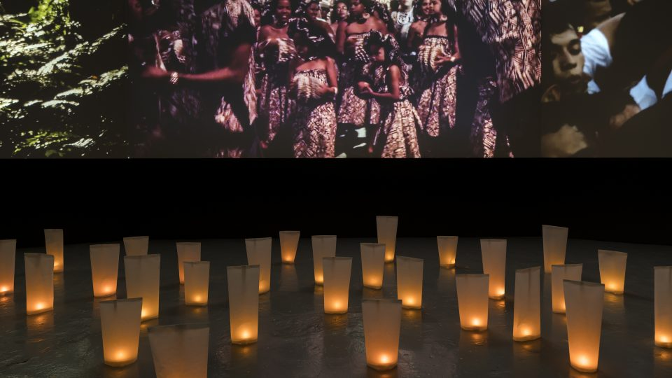 Priscilla Telmon & Vincent Moon – Híbridos. The Spirits of Brazil, 3-Channel projection in an endless loop, full HD, 1:19h 2018 | Spiritualities