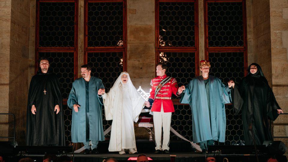 Soňa Červená zpívá svatou Ludmilu