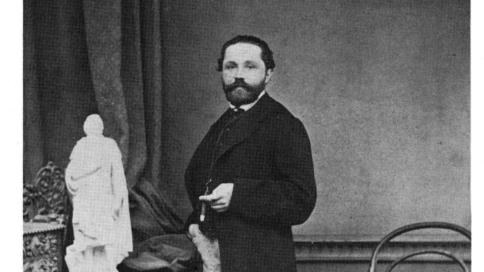 Fotografický portrét Adolfa Loose st. (1829-1879), sochaře a kameníka v Brně