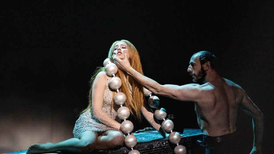 Inscenace Kytice v Národním divadle, režie SKUTR