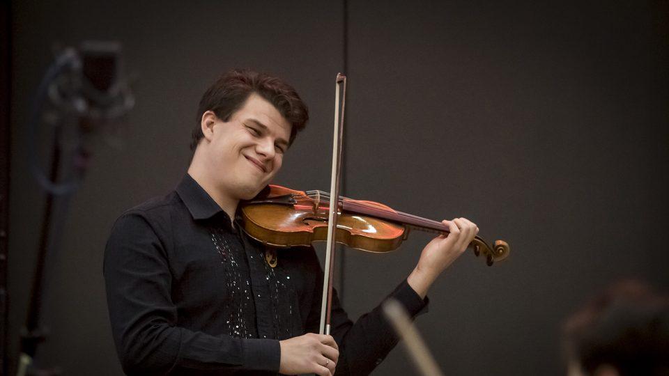 Čajkovského Houslový koncert v podání Jana Mráčka, 22. února 2021