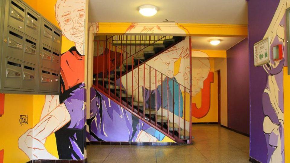 Cros2 se snaží street art využít i jako sociální nástroj, projekt Visit´Action má zútulnit sídliště la Visitation