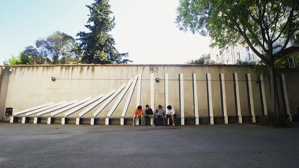 Spolupráce umělce IPINa s dětmi s gymnázia ve čtvrti Chartreux v Marseille