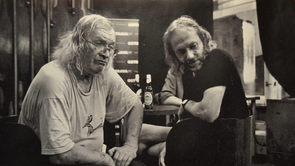 Petr Hruška s Ivanem Martinem Jirousem. Jirous pravidelně přespával u Hrušků v Tyršově ulici v Ostravě