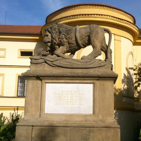 Písek, pomník padlých v bitvě u Solferina