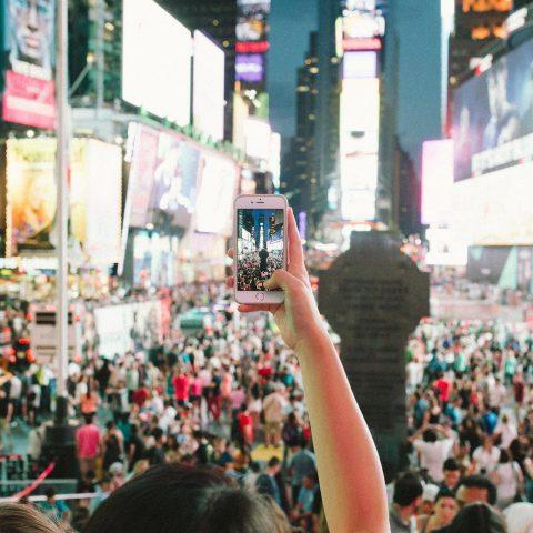 Lidé, dav, posluchači, koncert, město