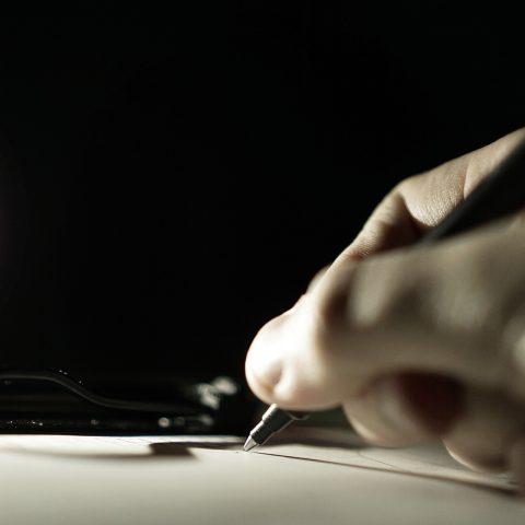 Pero, psaní (ilustrační foto)