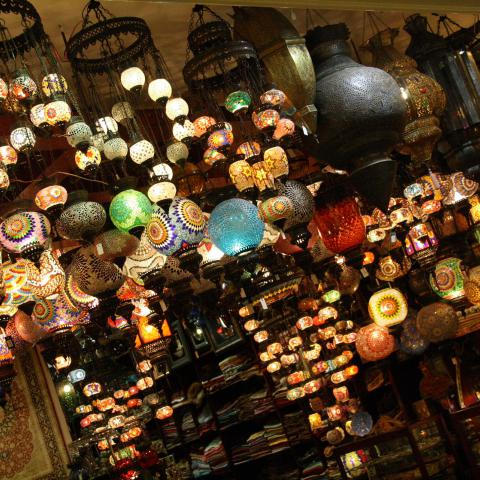 Orient, lampy (ilustrační foto)
