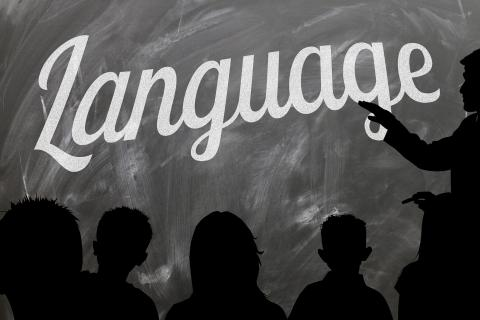 škola tabule jazyk výuka děti siluety