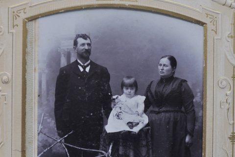 Odkrývání historie rodiny Jiřičků z Dolní Kalné ve východních Čechách
