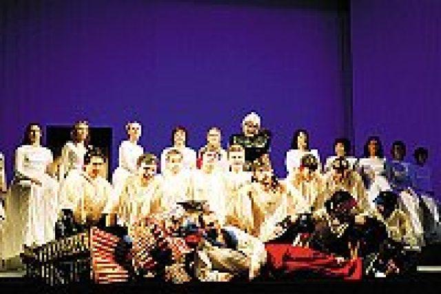Scéna z opery Nagano | foto: František Ortman