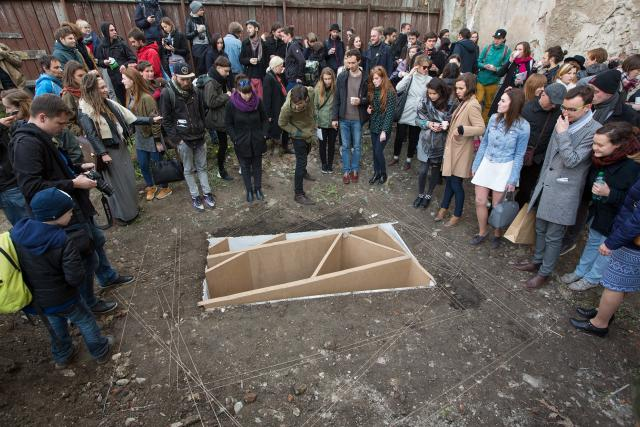 Galerie Hrob během vernisáže na výstavní  akci XY v Olomouci