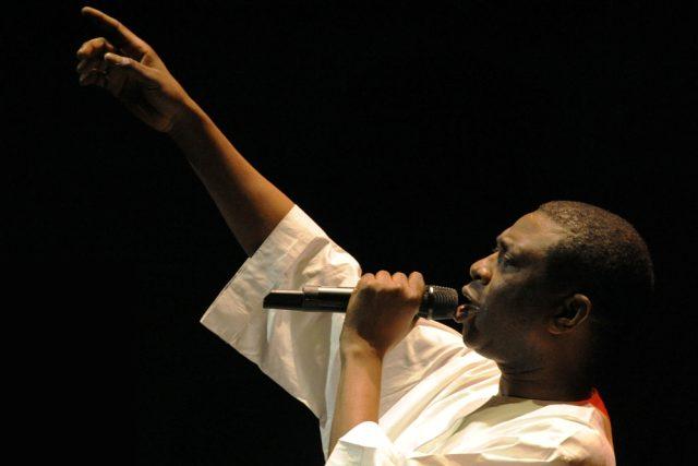 Youssou N'dour  (2009)   foto: Henryk  Kotowski ,   CC-BY-SA-3.0