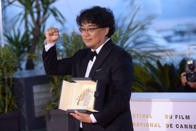Režisér Bog Joon-ho získal Zlatou palmu za snímek Parazit