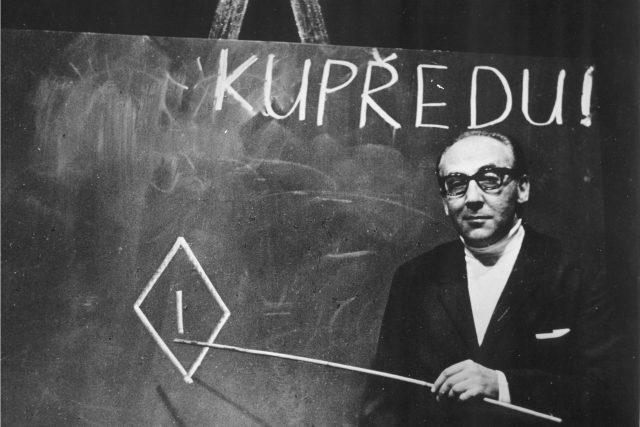 Miloš Kopecký v inscenaci Ptákovina,  Divadlo Na zábradlí,  1969 | foto: Jaromír Svoboda,  Jaromír Svoboda -  (5170224)