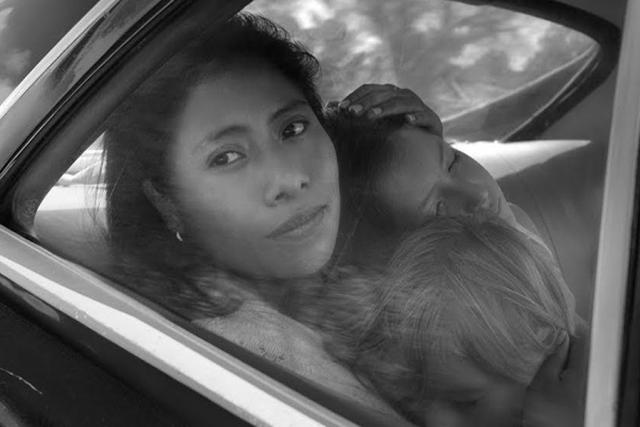 Z filmu Roma, režie Alfonso Cuarón