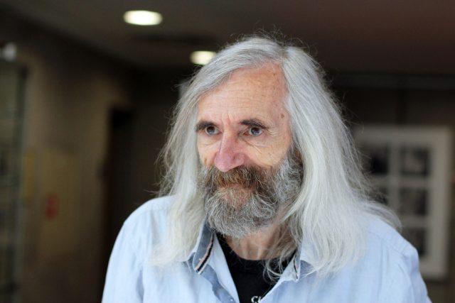 Miroslav Petříček, filozof (žák Jana Patočky), působí jako vysokoškolský profesor na Filozofické fakultě UK