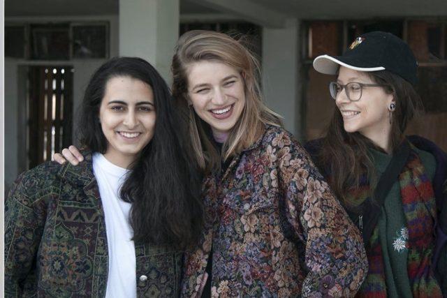 Zleva: Julie Ondračková,  Agáta Kolářová a Ester Grohová   foto: Anna Vopátková