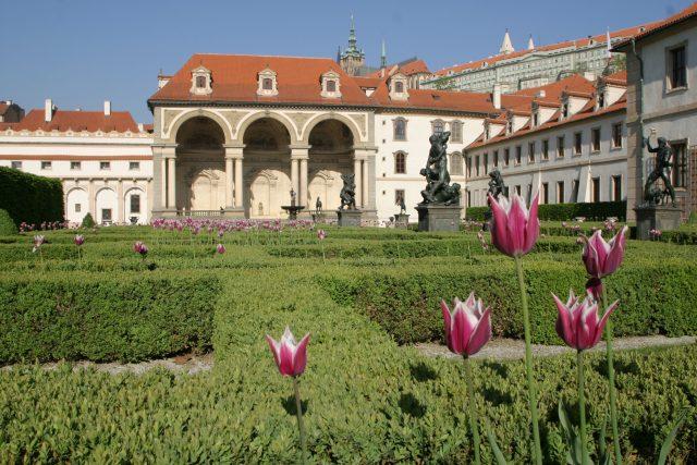 Záběry z Valdštejnské zahrady