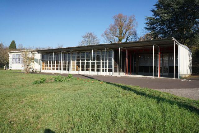 Základní škola ve Vantoux ve Francii, architekt Jean Prouvé