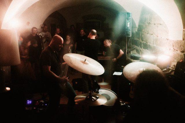 Undergroundový koncert v Otovicích | foto: Martin Doležal