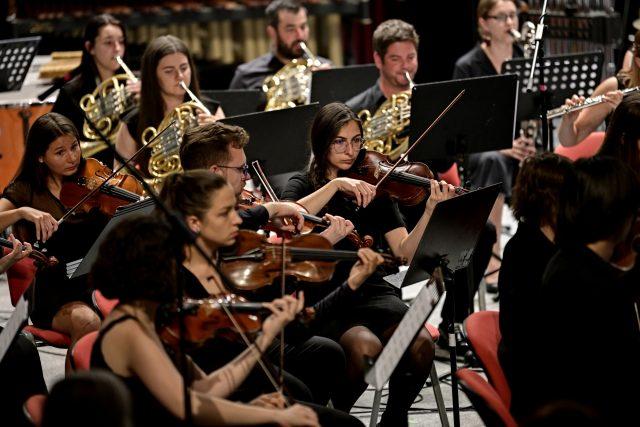 Členové ONO – Ostrava New Orchestra  / Zahajovací koncert festivalu Ostravské dny  (22. srpna 2021) | foto: Martin Popelář,  Ostravské centrum nové hudby
