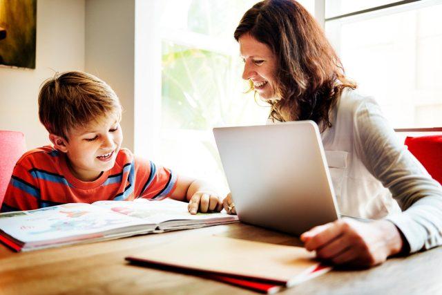 Domácí vzdělávání. Ilistrační foto | foto: Fotobanka Profimedia