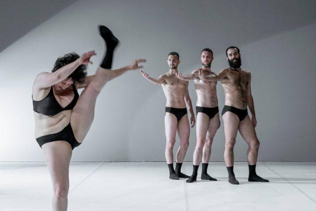 Ukázka z taneční inscenace Graces choreografky Silvie Gribaudi | foto: Claudia Borgia,  festival TANEC PRAHA