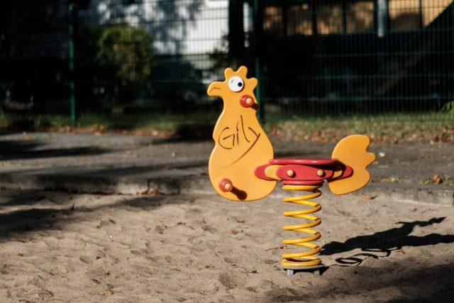 dětské hřiště | foto: Heye Jensen,  Unsplash
