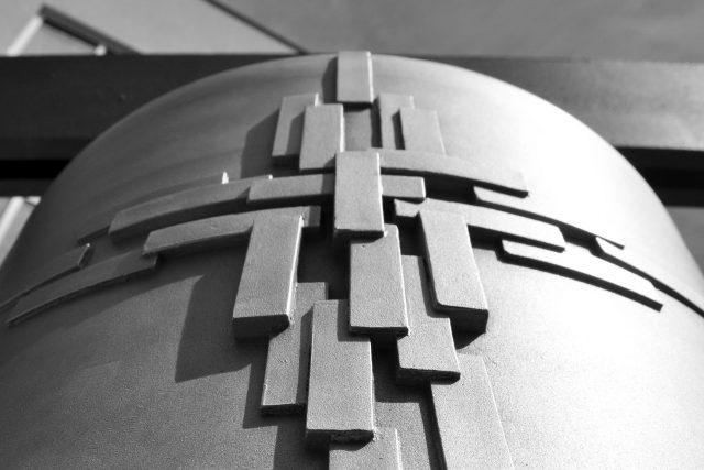 Reliéfy nových zvonů do věže Husova sboru na Vinohradech,  MCA atelier   foto: Pavla Melková