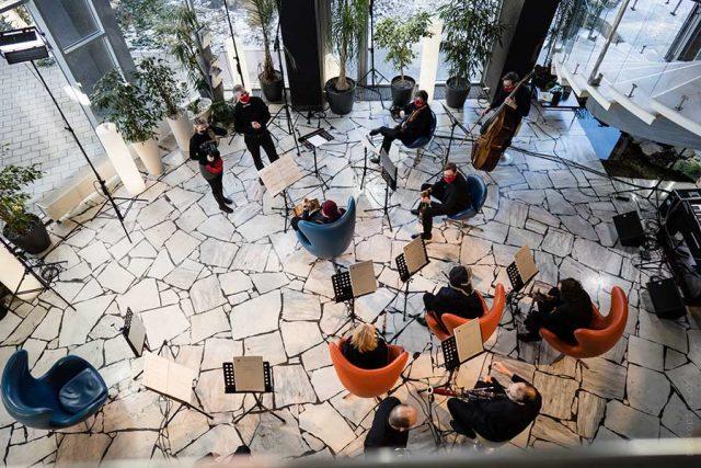 Brno Contemporary Orchestra při natáčení v hotelu Continental | foto: Jan Prokopius,  Český rozhlas