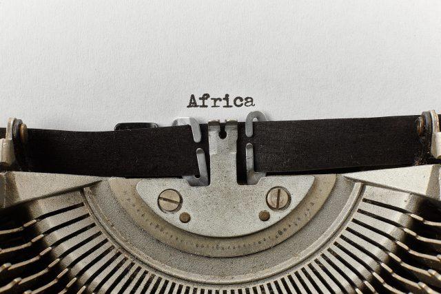 Afrika, psací stroj