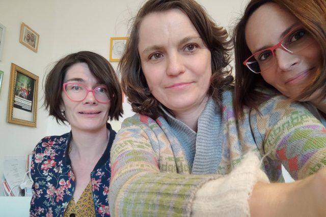Hana Malaníková, Eva Melo a Hana Lundiaková v ArtCafé
