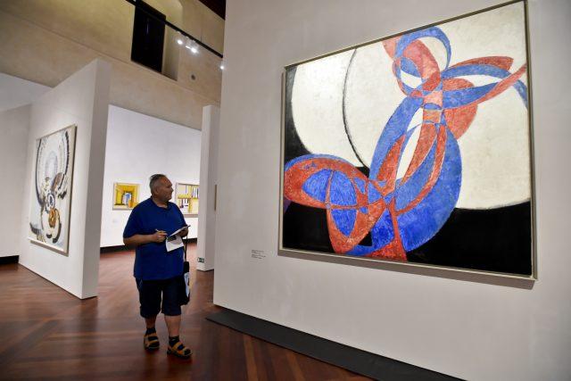 Díla Františka Kupky byla nejdříve vystavena v Paříži