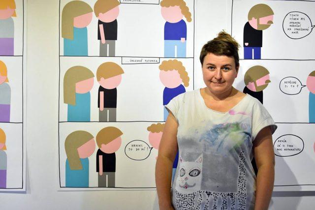 Vendula Chalanková na vernisáži výstavy Life is Life! v galerii Sýpka ve Valašském Meziříčí | foto: galerie Sýpka