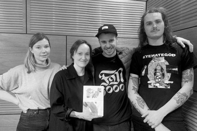 Hosté ArtCafé Sarah Dubná, Štěpán Marko a Tomáš Mitura s moderátorkou Alžbětou Kvasničkovou
