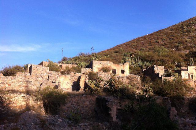 Cerro de San Pedro en San Luis Potosí.  Bien podría ser Comala de Pedro Páramo.