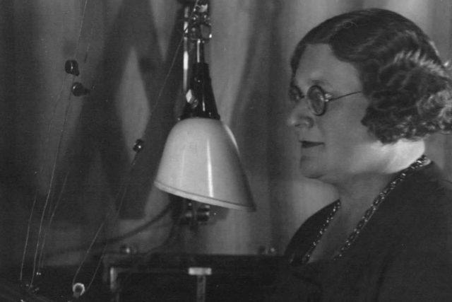 Růžena Nasková ve studiu | foto: Archivní a programové fondy Českého rozhlasu