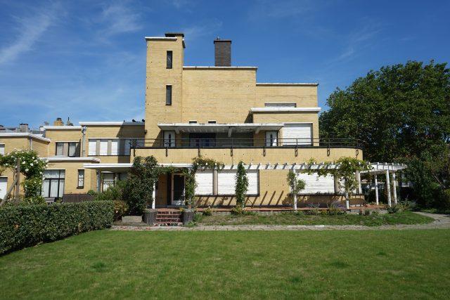 Vila De Ooievaar v Ostende, architekt Jozef de Bruycker, 1935